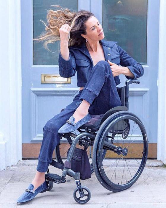 صورة رقم 2 - برازيلية مقعدة تتحدى إعاقتها وتطلق أول علامة تجارية لصاحبات الهمم