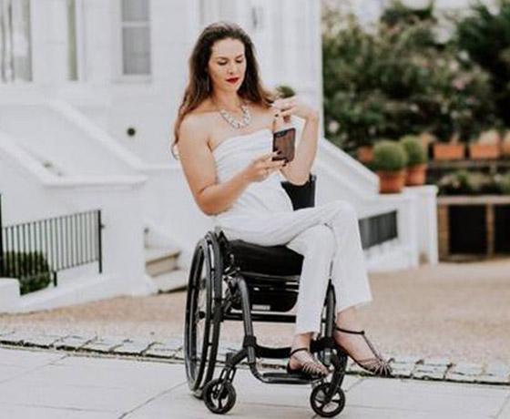 صورة رقم 5 - برازيلية مقعدة تتحدى إعاقتها وتطلق أول علامة تجارية لصاحبات الهمم
