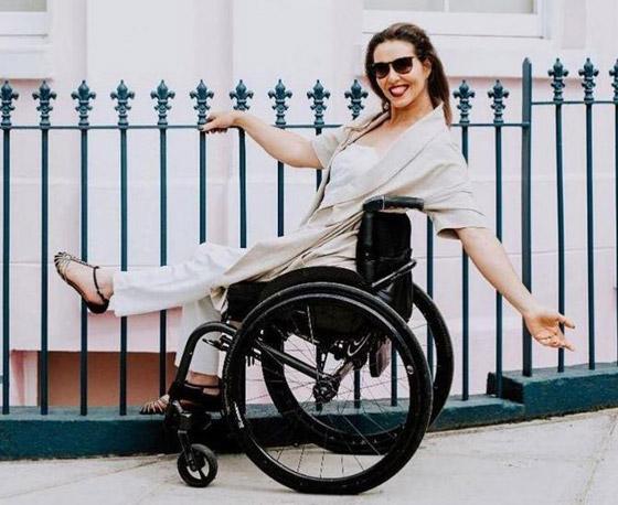 صورة رقم 7 - برازيلية مقعدة تتحدى إعاقتها وتطلق أول علامة تجارية لصاحبات الهمم