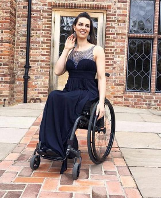 صورة رقم 14 - برازيلية مقعدة تتحدى إعاقتها وتطلق أول علامة تجارية لصاحبات الهمم