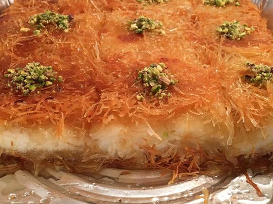حلويات رمضانية: طريقة عمل الكنافة بالقشطة صورة رقم 14