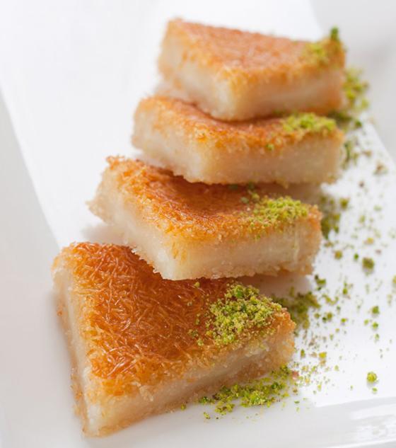 صورة رقم 12 - حلويات رمضانية: طريقة عمل الكنافة بالقشطة