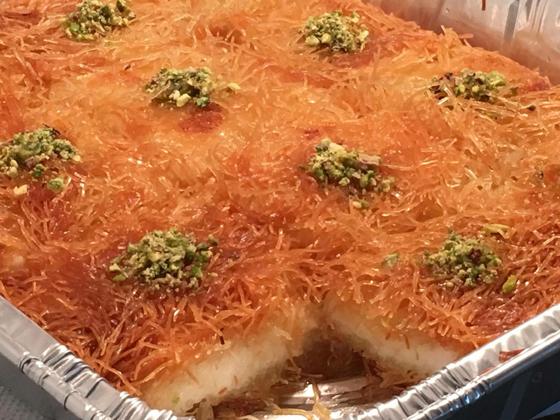 حلويات رمضانية: طريقة عمل الكنافة بالقشطة صورة رقم 10