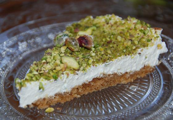 صورة رقم 5 - طريقة تحضير عيش السرايا الشهي والمميز لحلويات رمضان شرقية