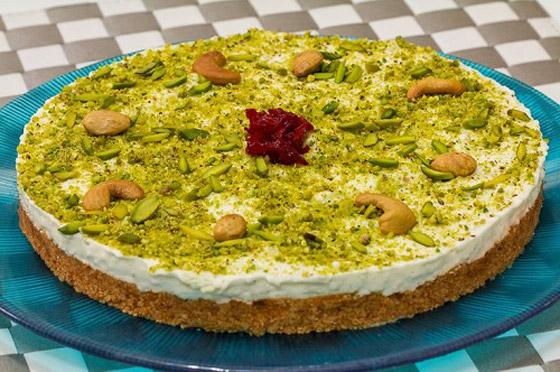 صورة رقم 8 - طريقة تحضير عيش السرايا الشهي والمميز لحلويات رمضان شرقية