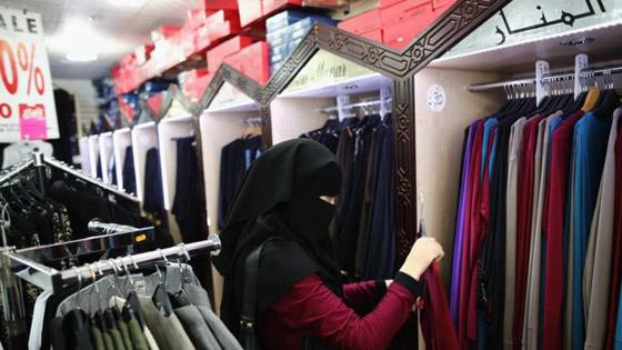 ملابس وطعام وزينة.. كيف يؤثر شهر رمضان في السوق البريطانية؟ صورة رقم 2