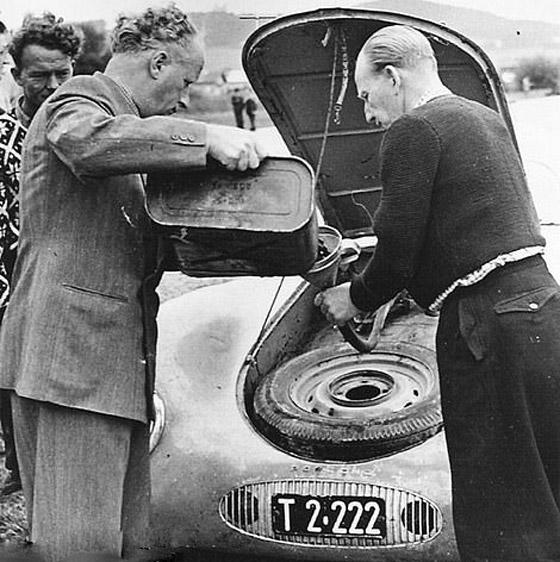 بالصور: عرض أقدم سيارة بورش للبيع.. لن تصدق سعرها! صورة رقم 10