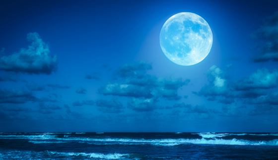 ظاهرة فلكية مثيرة يوم السبت: ترقّبوا القمر الأزرق الكامل صورة رقم 2