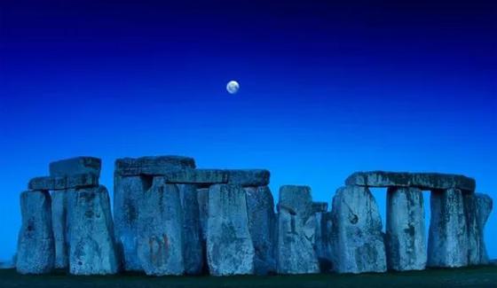 ظاهرة فلكية مثيرة يوم السبت: ترقّبوا القمر الأزرق الكامل صورة رقم 10