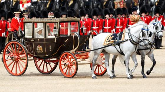قصة الدبوس الماسي المميز لملكة بريطانيا... صورة رقم 6
