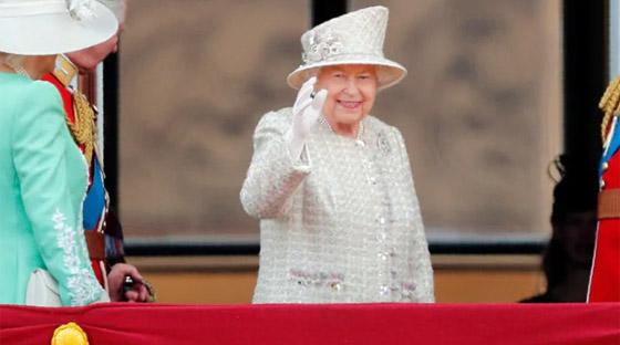 قصة الدبوس الماسي المميز لملكة بريطانيا... صورة رقم 8