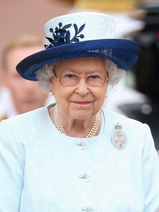 قصة الدبوس الماسي المميز لملكة بريطانيا... صورة رقم 9