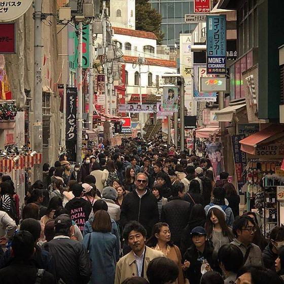 مجموعة صور تبين أن اليابان ليست بلداً لطوال القامة! صورة رقم 18
