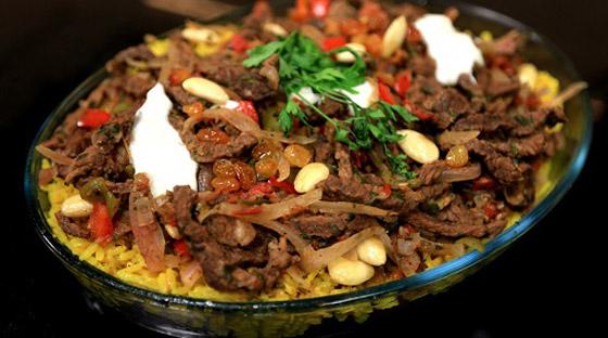 وجبة لذيذة في العيد.. فتة الشاورما على الطريقة السورية صورة رقم 1