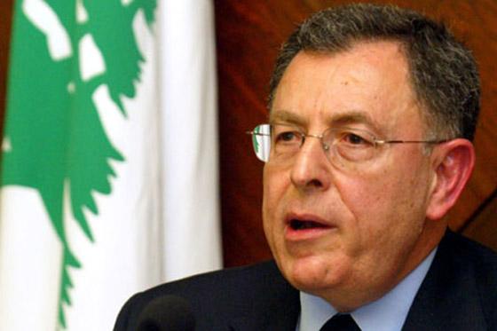 رئيس الحكومة اللبناني يشعل مواقع التواصل بغنائه لعبد الحليم صورة رقم 12