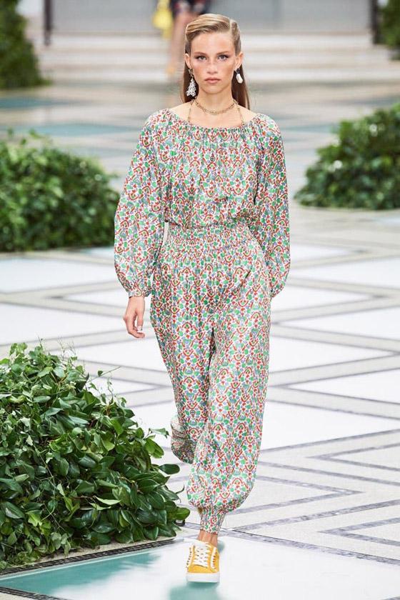 الأميرة ديانا حاضرة بعرض أزياء في نيويورك بعد 22 عاما على وفاتها صورة رقم 2