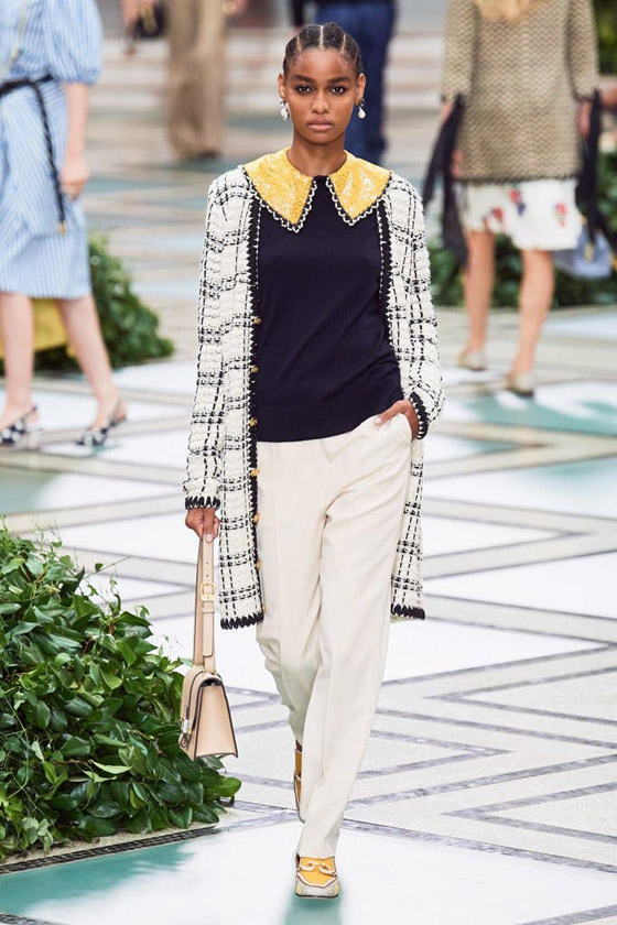 الأميرة ديانا حاضرة بعرض أزياء في نيويورك بعد 22 عاما على وفاتها صورة رقم 7