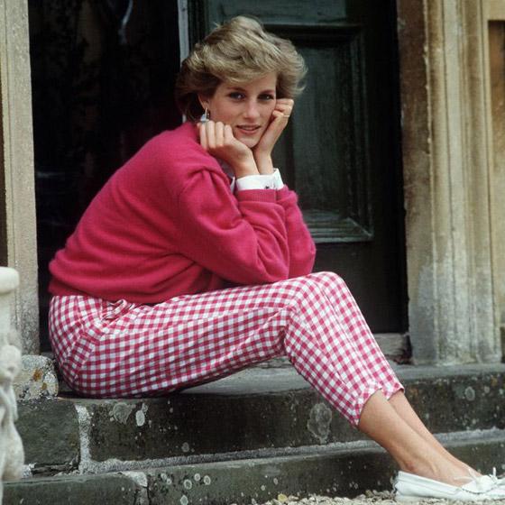 الأميرة ديانا حاضرة بعرض أزياء في نيويورك بعد 22 عاما على وفاتها صورة رقم 14