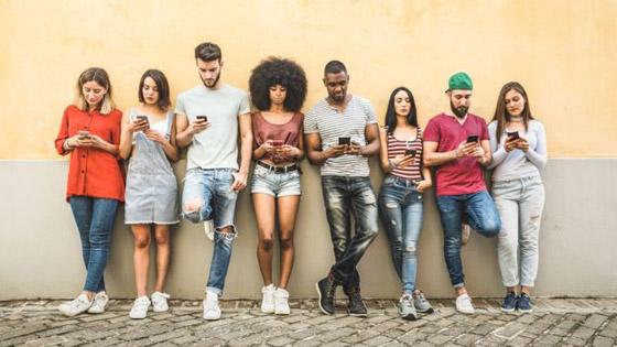 ما الدول التي يقضي سكانها أطول الأوقات على مواقع التواصل الاجتماعي؟ صورة رقم 4