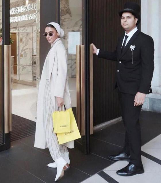 بالصور: أزياء عملية ومريحة للمحجبات من وحي السعودية يارا النملة صورة رقم 5