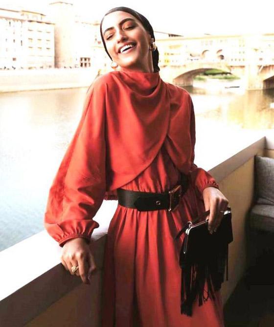 بالصور: أزياء عملية ومريحة للمحجبات من وحي السعودية يارا النملة صورة رقم 9