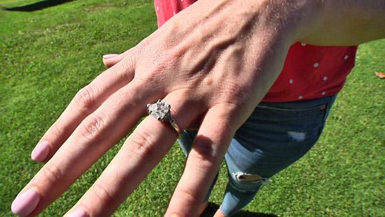 نصحها خطيبها وهي نائمة بأن تبتلع خاتمها، وعندما أفاقت تفاجأت بأنها سمعت كلامه! صورة رقم 4