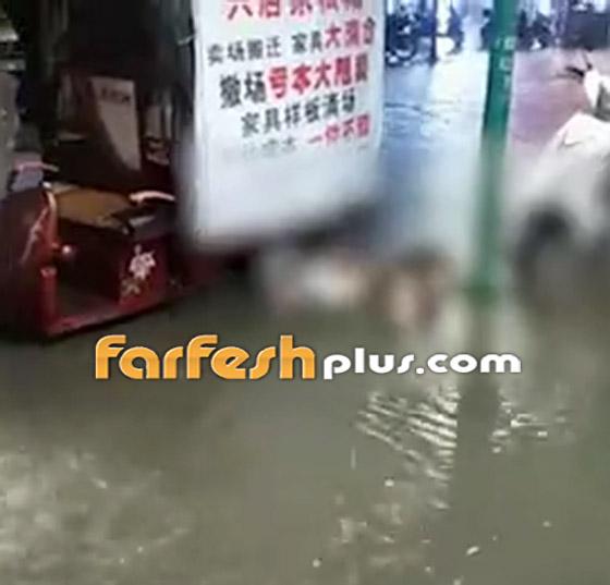 بالفيديو: مصرع امرأة تعرضت لصعقة كهربائية أثناء سيرها في المياه صورة رقم 3