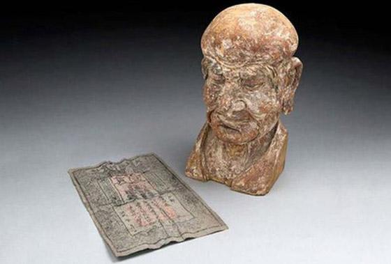 أغرب الأشياء التي عُثر عليها داخل تماثيل أثرية عمرها مئات السنين صورة رقم 1