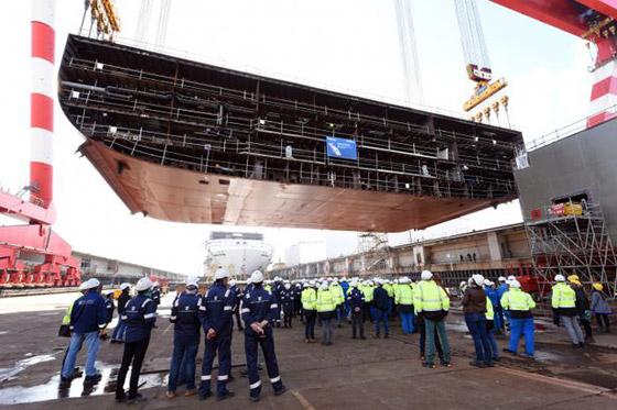 أعجوبة البحر جاهزة.. أكبر سفينة سياحية في العالم تستعد للإبحار صورة رقم 7