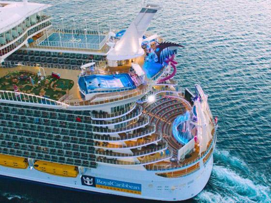 أعجوبة البحر جاهزة.. أكبر سفينة سياحية في العالم تستعد للإبحار صورة رقم 9