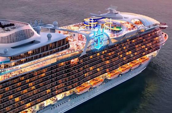 أعجوبة البحر جاهزة.. أكبر سفينة سياحية في العالم تستعد للإبحار صورة رقم 13