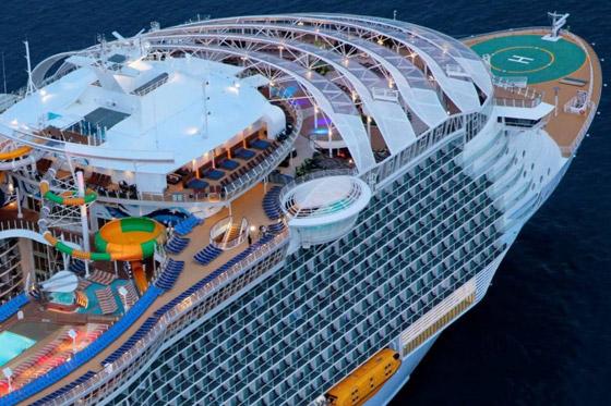 أعجوبة البحر جاهزة.. أكبر سفينة سياحية في العالم تستعد للإبحار صورة رقم 17