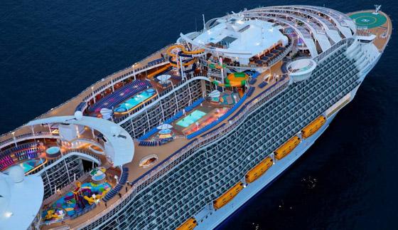 أعجوبة البحر جاهزة.. أكبر سفينة سياحية في العالم تستعد للإبحار صورة رقم 18