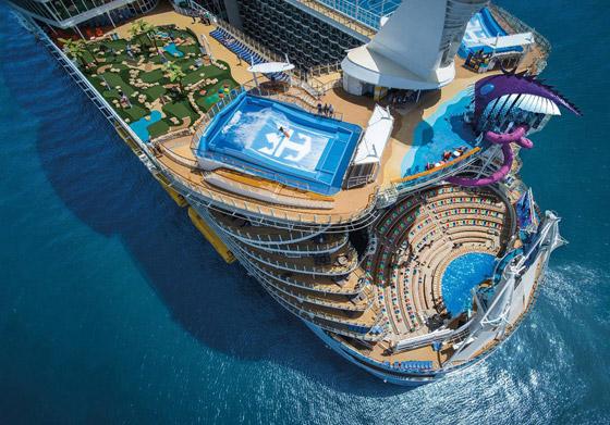 أعجوبة البحر جاهزة.. أكبر سفينة سياحية في العالم تستعد للإبحار صورة رقم 19