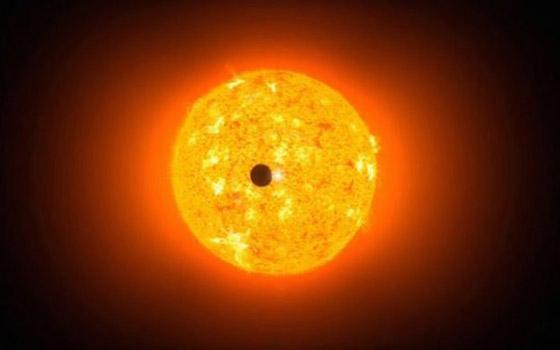 حدث فلكي نادر يمكن رؤيته من كل مكان على الأرض صورة رقم 12