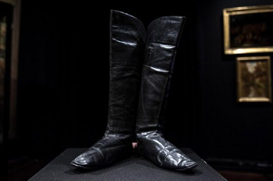 حذاء لنابليون بونابرت بالمزاد.. ثمنه قد يصل 80 ألف يورو صورة رقم 1