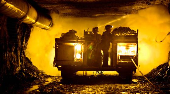 حصار العشرات تحت الأرض بعد انفجار منجم في ألمانيا صورة رقم 3