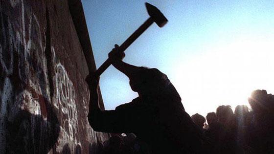 30 عاماً على سقوط جدار برلين .. كيف تغير العالم؟ صورة رقم 4