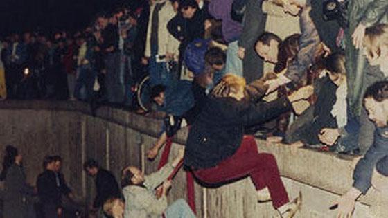 30 عاماً على سقوط جدار برلين .. كيف تغير العالم؟ صورة رقم 6