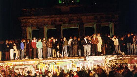 30 عاماً على سقوط جدار برلين .. كيف تغير العالم؟ صورة رقم 8