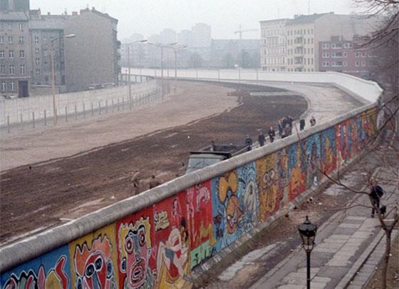 30 عاماً على سقوط جدار برلين .. كيف تغير العالم؟ صورة رقم 14