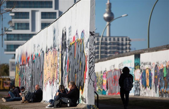30 عاماً على سقوط جدار برلين .. كيف تغير العالم؟ صورة رقم 19
