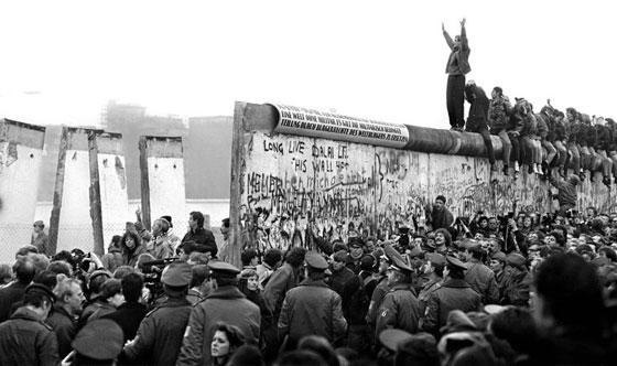 30 عاماً على سقوط جدار برلين .. كيف تغير العالم؟ صورة رقم 24