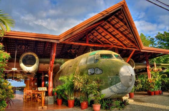 بالصور: طائرات مهجورة قديمة تحولت إلى مطاعم تقدم تجارب طعام مدهشة صورة رقم 1