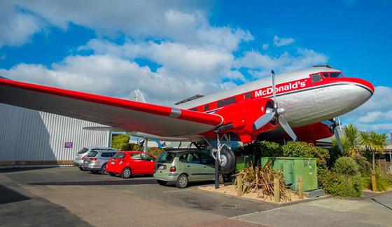 بالصور: طائرات مهجورة قديمة تحولت إلى مطاعم تقدم تجارب طعام مدهشة صورة رقم 7