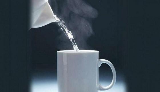 صورة رقم 3 - كأس دافئ من الماء صباحا يقيك من هذه الأمراض