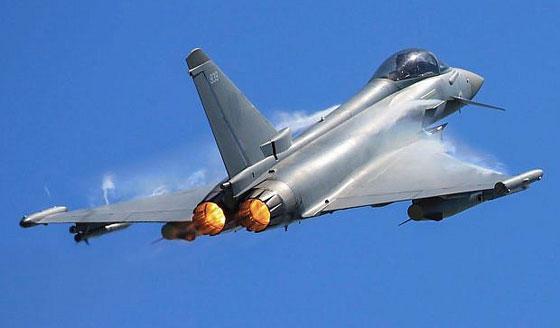 طائرة مدنية إسرائيلية ترعب شمال لندن بانفجار صوتي عال! فيديو صورة رقم 13