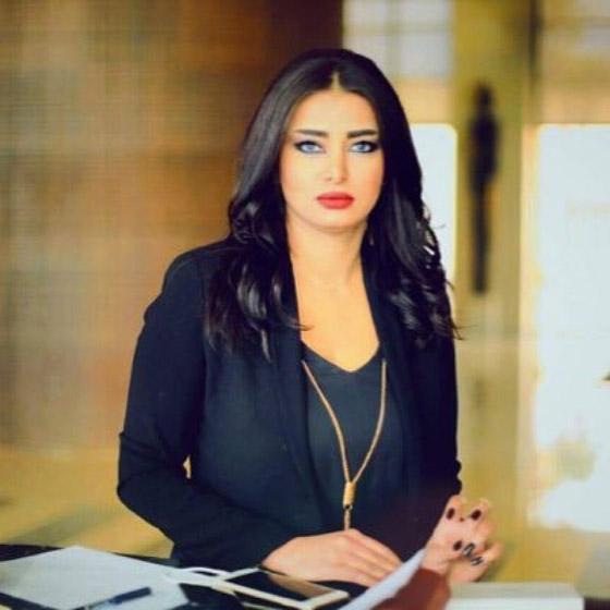 شاهدوا.. إعلامية عراقية تعلن نبأ وفاة شقيقها مباشرة على الهواء صورة رقم 3