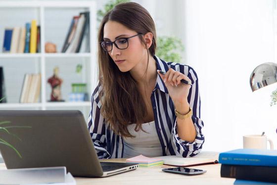 صورة رقم 1 - للمرأة العاملة: 6 فوائد تجعل حياتها الزوجية أكثر سعادة وراحة