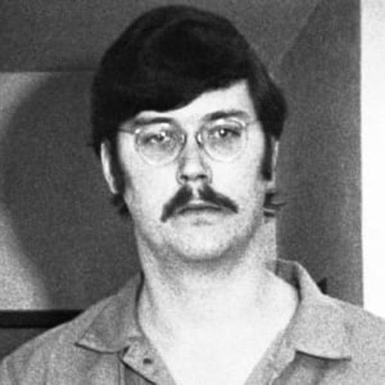 العملاق الذي قتل جده وجدته وأمه.. تعرفوا على القاتل المتسلسل إدموند كيمبر صورة رقم 8